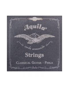 Juego de cuerdas para guitarra clásica de la marca Aquila, tensión normal.
